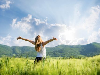 health-wellness_balanced-living_healthy-living_whats-the-best-indoor-light_1440x1080_500378277-1024x768